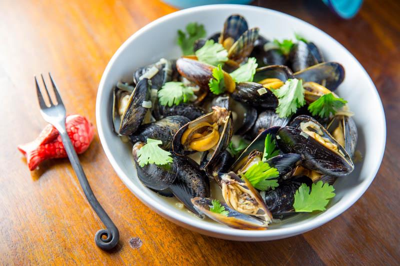 Big Green Egg Thai Green Curry Mussels - The BBQ Buddha